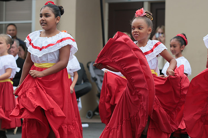 Patrick Henry students dance at Dual Immersion Day