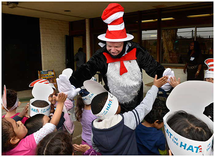 Photo - Cat in the Hat Visits Preschoolers