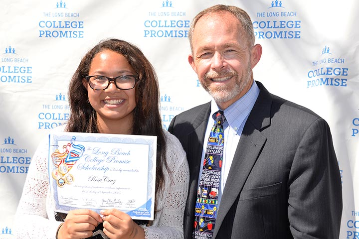 Photo - College Promise Expands