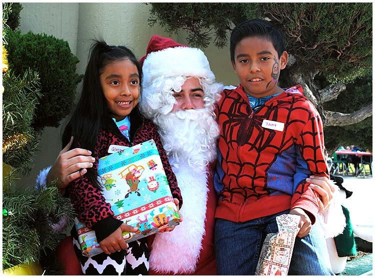 Photo - Poly Plays Santa