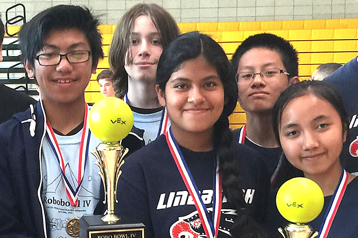 Photo - Lindbergh Wins 4th RoboBowl